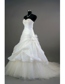 Simple sweetheart caught up taffeta ball gown ivory white court train real sample wedding dress with swarovski beaded front 2014 TB-164