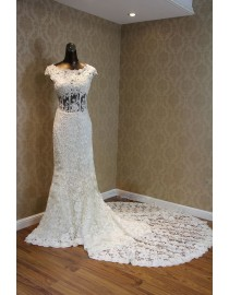 Elegant jewel neckline sheer waist details lace appliques swarovski beaded chapel train sheath wedding dress TB-229