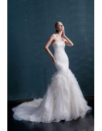 Awesome 2015 spring strapless elongated bodice lace appliques pearls beaded accent  fit and flare court floral train wedding dress WX-006
