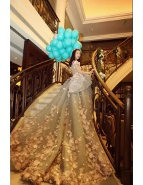 Gorgeous 3D floral embellishments princess illusion back luxury ball gown wedding dresses 2017 LL713